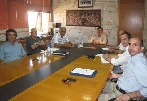 Ανάπτυξη Παραλιμνίου, μαρίνα και λίμνη Παραλιμνίου στο επίκεντρο συνάντησης του ΕΤΕΚ με τον Δήμαρχο
