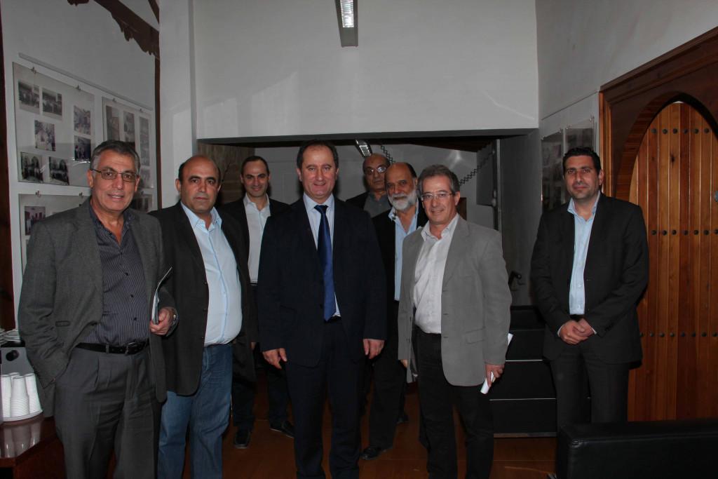 Ενώπιον των υποψηφίων Προέδρων εισηγήσεις του ΕΤΕΚ για ανάπτυξη
